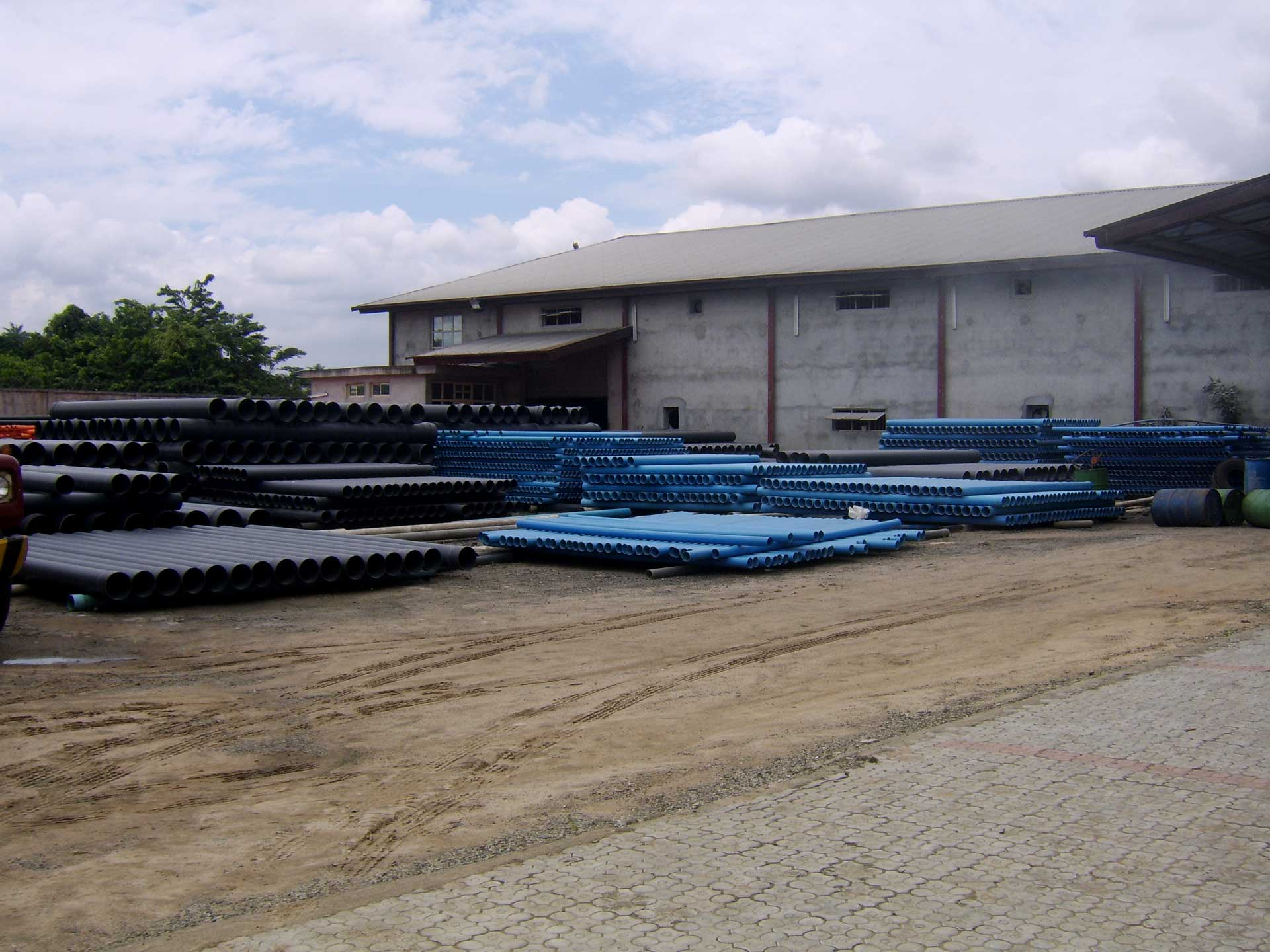 cobef-intl-loading-pvc-pipe-product